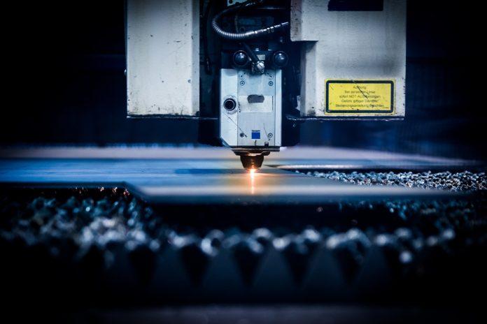 Machine de découpe industrielle